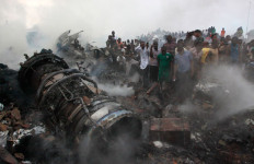 Pesawat Timpa Pemukiman, 153 Penumpang Hangus - JPNN.com