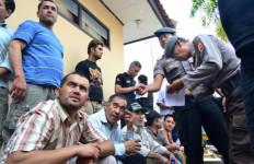74 Imigran Gelap Gagal Menyeberang - JPNN.com