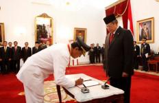 Sultan Resmi Gubernur, Warga Tumpengan di Malioboro - JPNN.com