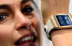 Saingi Apple, Samsung Rilis Jam Tangan Pintar - JPNN.com