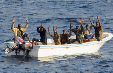 Bajak Laut Somalia Ternyata Takut Lagu Britney Spears - JPNN.com