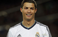 Falcao: Ronaldo Lebih Hebat Dari Messi - JPNN.com