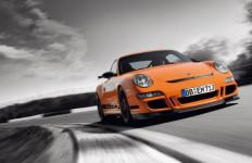 Mudah Terbakar, Porsche 911 GT3 Ditarik dari Pasaran - JPNN.com