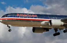 American Airlines Hampir Tabrak Pesawat Tanpa Awak di Udara - JPNN.com
