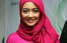 Artis Pakai Hijab, Nuri Maulida Tepis Anggapan Sepi Job - JPNN.com
