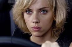 Singkirkan 'Hercules', Film 'Lucy' Rajai Box Office - JPNN.com
