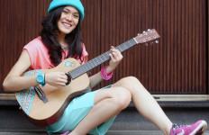 Sheryl Sheinafia, Berawal dari Gitar Satpam - JPNN.com