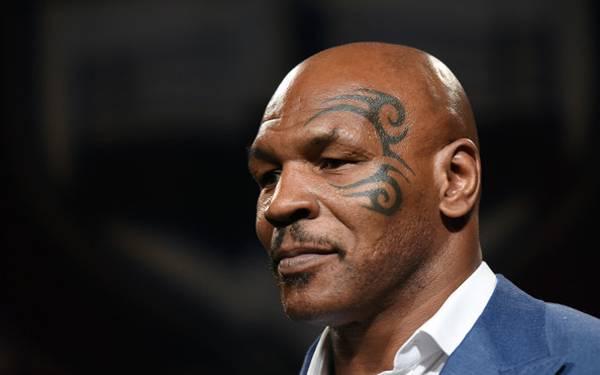 Mike Tyson jadi Pahlawan Korban Kecelakaan - JPNN.com