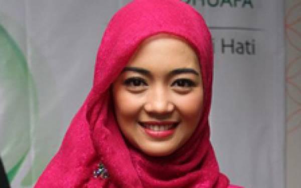 9 November, Nuri Maulida Dinikahi Politikus - JPNN.com