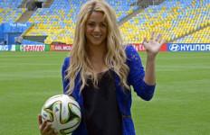 Shakira Ingin Pique Pindah ke Chelsea - JPNN.com