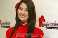 Asty Ananta Setia Perhatikan Roger - JPNN.com