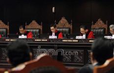 MK Tolak Gugatan Bupati Se-Indonesia Terkait UU Kehutanan - JPNN.com