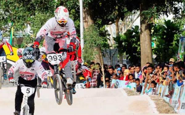 Jepang dan Thailand Juara BMX Asia - JPNN.com