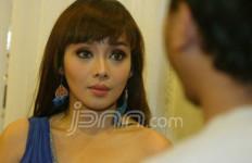 Terry Putri Tampil Soleha - JPNN.com