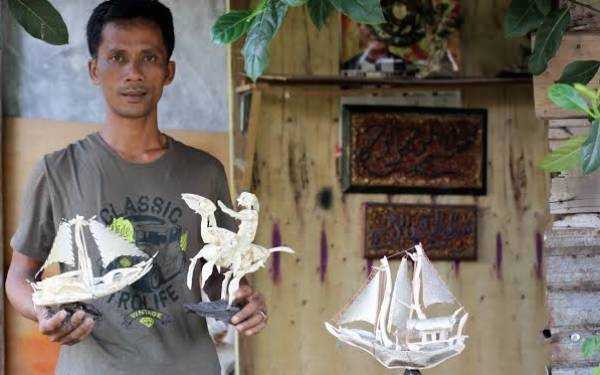 Menyulap Tulang dan Kulit Ikan Jadi Kerajinan Tangan - JPNN.com