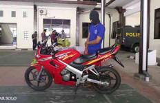 Bermodalkan Motor Sport Lawas, Biker Ini Memperdaya Siswi SMP - JPNN.com