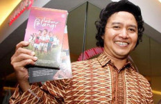 Andrea Hirata Sebut Mahar Laskar Pelangi Adalah Pahlawan - JPNN.com