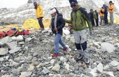 Tim Indonesia Cari 3 Pendaki WNI di Nepal Lewat Udara - JPNN.com