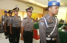 Tiga Polisi Penerima Setoran dari Kades Selok Awar Awar, Dituntut Ringan - JPNN.com