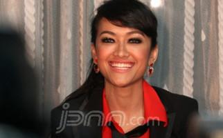 Kerap Ditipu Cowok, Jupe-Ayu-Zaskia Kompak Ganti Nama - JPNN.com