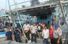 Mencuri Ikan Di Perairan Tarempa, Tiga Kapal Asing Ditangkap - JPNN.com