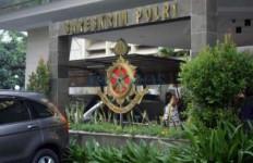 Polisi Dalami Pihak Lain Pemalsu Tanda Tangan Mandra - JPNN.com