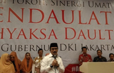 Banyak Didukung Jadi Cagub DKI, Adhyaksa Dault Ajak Masyarakat Rajin Salat Subuh - JPNN.com