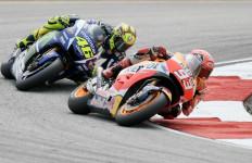 Rossi Dapat Konfirmasi dari Manajer Honda Bahwa Marquez Memang Balas Dendam - JPNN.com