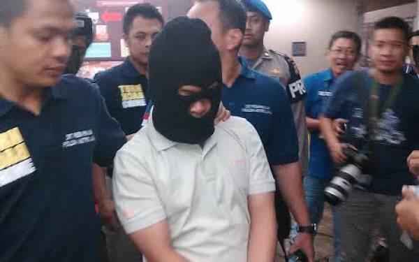Pelaku Bom Alam Sutera Serigala Penyendiri, Belajar dari Internet - JPNN.com