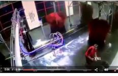 Manajer Ini Terjebak di Mesin Pencuci Mobil, Meniru Warkop DKI? Lihat Videonya Yuk... - JPNN.com
