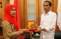 Bidan PTT Berjuang Sembari Mengurut Dada - JPNN.com