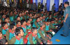 1.000 Santri Bela Negara Gelar Latihan di Kapal Perang TNI AL - JPNN.com