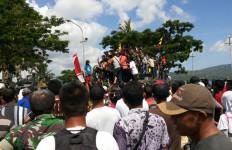 Lebih Dekat dengan Rakyat, Pangdam XVI/Pattimura Gelar Pameran Alutsista - JPNN.com