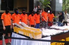 Sindikat Narkoba Dibekali Senpi FN oleh Oknum TNI AD - JPNN.com