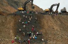 Ngeri... Tanah Longsor Di Tambang Batu Permata Tewaskan 30 Penambang - JPNN.com