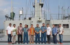 Pengurus PWI Pusat Kunjungi Kapal Rumah Sakit TNI AL - JPNN.com