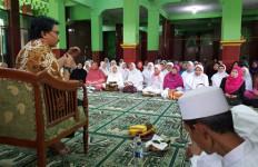 Didukung Ibu-ibu, Adhyaksa Dault Makin Moncer - JPNN.com