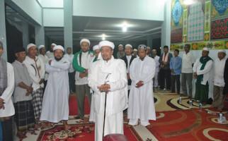 Hardline Islamic Leader Accuses Purwakarta Regent Ashamed Of His Muslim Identity - JPNN.com