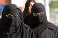 RESMI, Pengadilan Putuskan Pakai Jilbab Di Prancis Dilarang - JPNN.com