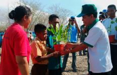 Jokowi Hadiri Konferensi Perubahan Iklim, Warga NTT Tanam Pohon - JPNN.com