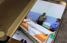 FOTO: Sempat Simpang Siur, Sopir Lamborghini Ternyata Tiduran di Kasur Empuk - JPNN.com
