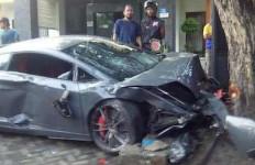 Sudah Empat Hari Pengemudi Lamborghini Maut di Luar Tahanan - JPNN.com