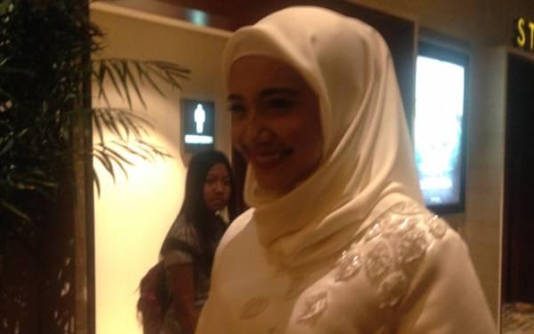 Bangun Tidur, Zaskia Sungkar Cari Adik, Loh Suami Gimana? - JPNN.com