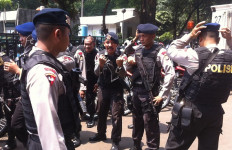 70 Personel Brimob Jateng Amankan Pilkada Kobar - JPNN.com