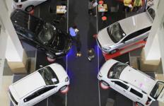 Penjualan Mobil Tak Capai Target, Diler Makin Realistis - JPNN.com
