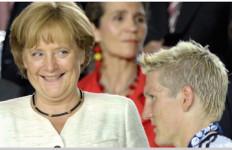Waduh! Angela Merkel Ternyata Pernah Lihat Schweinsteiger Telanjang - JPNN.com