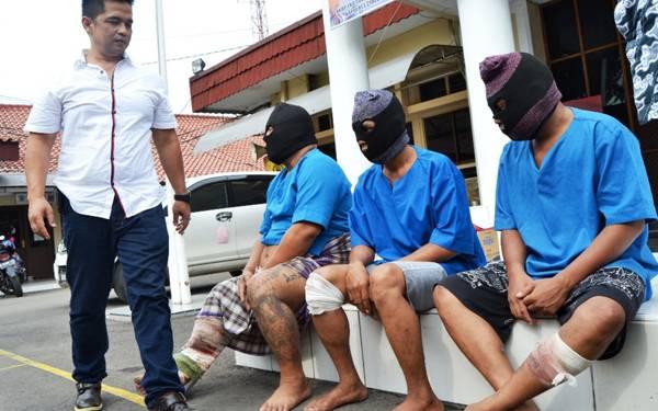 Dor! Dor! Dor! Dramatis, 3 Bandit Lumpuh sama Timah Panas - JPNN.com