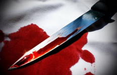 Ya Ampun... Leher Ibu Pemilik Warung Bersimbah Darah Ditikam Rampok - JPNN.com