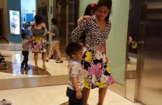Oh Dian...Tetap Cantik Saat Ngemong Anak, Nih Fotonya - JPNN.com