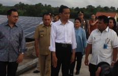 Jokowi Resmikan PLTS di NTT, Keuntungannya Luar Biasa - JPNN.com